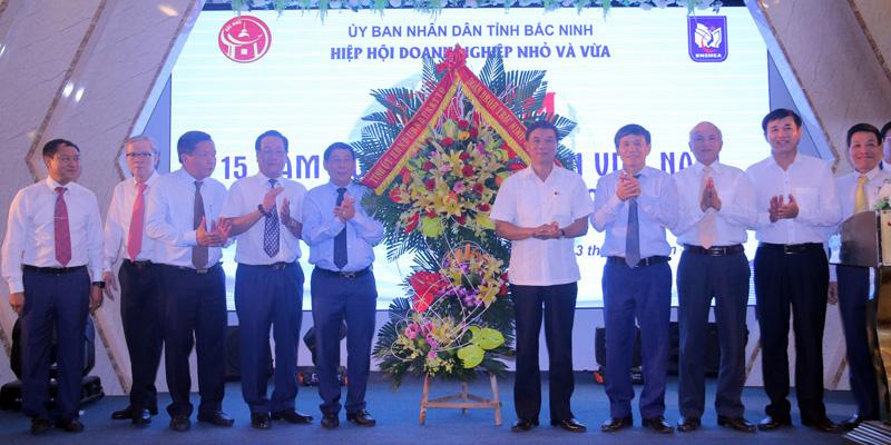Hiệp hội DNNVV tỉnh Bắc Ninh kỷ niệm 15 năm ngày doanh nhân Việt Nam 13 - 10